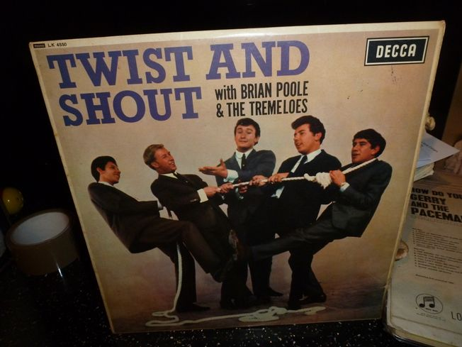 Brian Poole & Tremeloes ‎– Twist And  Shout  Label:  Decca ‎– LK.4550