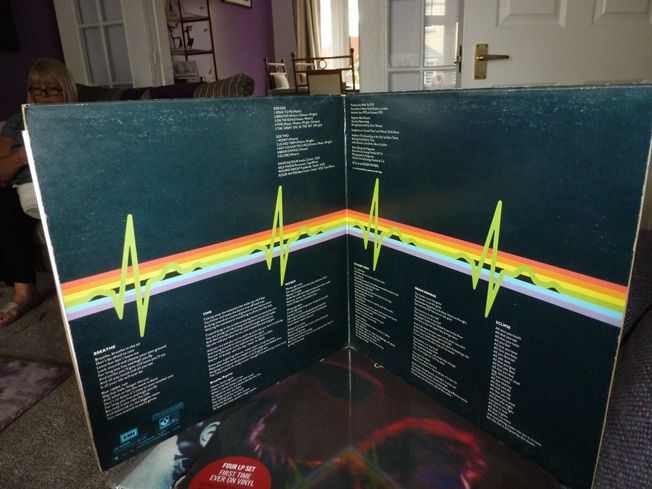 Pink Floyd ‎– The Dark Side Of The Moon Label: Harvest ‎– SHVL 804 First Pressing Blue Triangle