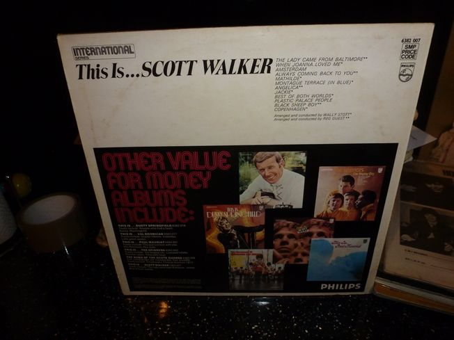 Scott Walker ‎– This Is...Scott Walker  Label: Philips ‎– 6382 007