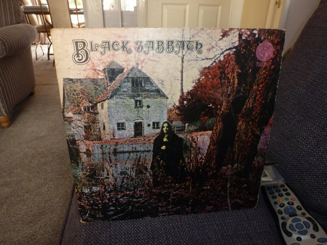 Black  Sabbath ‎– Black Sabbath  Label: Vertigo ‎– VO 6,